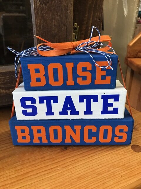 Katerbugs Boise State wood sign The Gettin Place